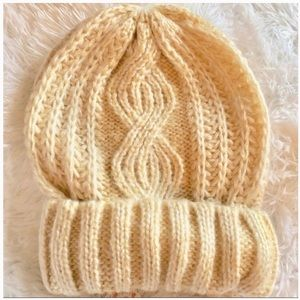 Free People Harlow Cream Cable Knit Beanie